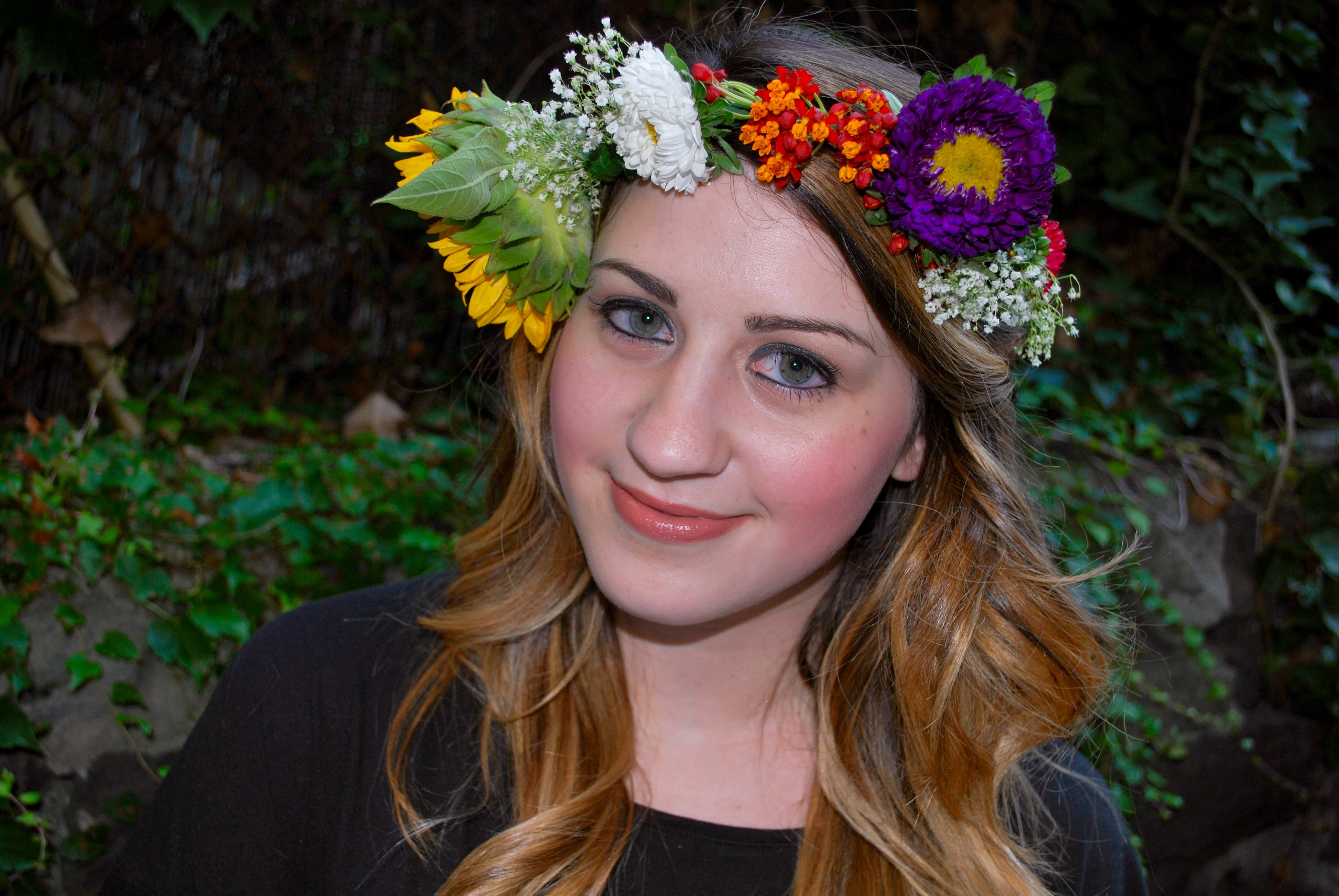 Diy flower crowns as told by ash and shelbs flower crowns izmirmasajfo